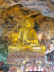 マレーシアイポーの観光地ペラトン洞窟寺院
